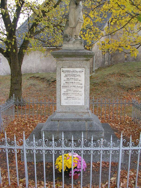 monument 3 Poligny